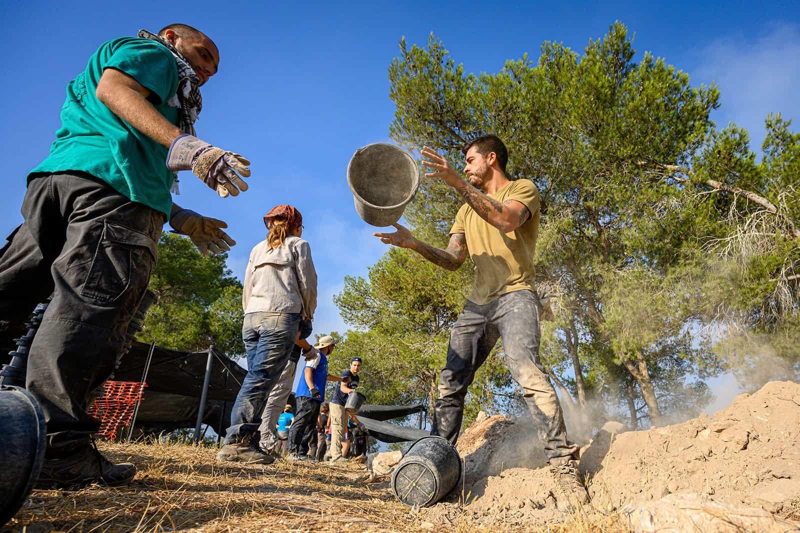Tel Azekah Archeology Dig2 1600