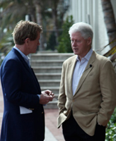 Dr. Bob Arnot talking with President Bill Clinton